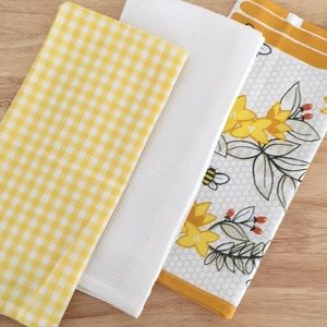Set of 3 NWOT Yellow and White Bee Kitchen Towels 100% Cotton Waffle Knit